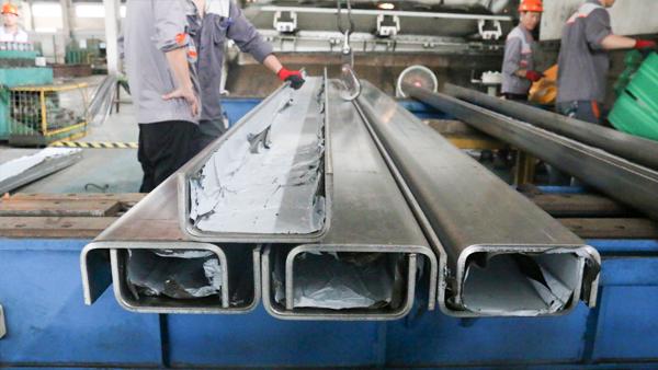 304不锈钢折弯加工的特点有哪些